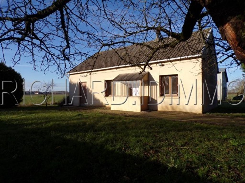 House for sale on 679 M² of land Clos