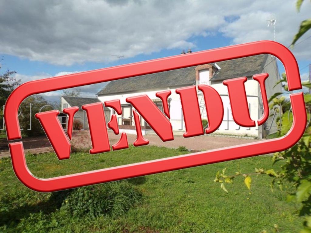 Corps de ferme A VENDRE sur 2196 m² de terrain + Grange et dépendances