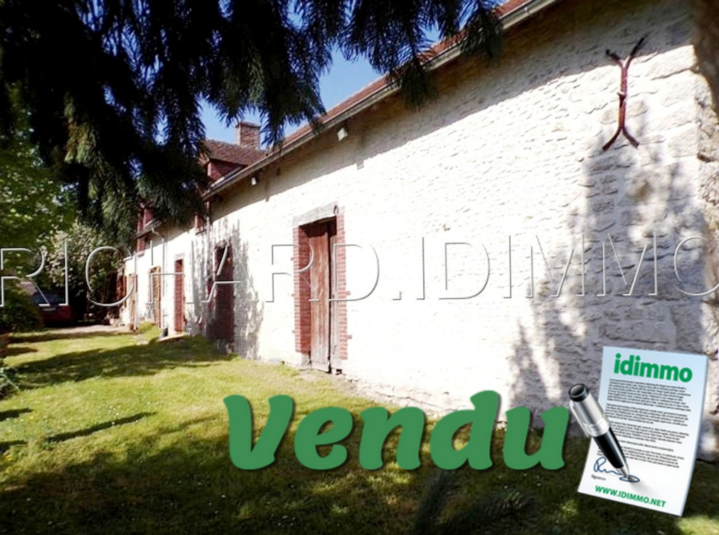 Farmhouse FOR SALE and outbuildings on 2659 m² of land