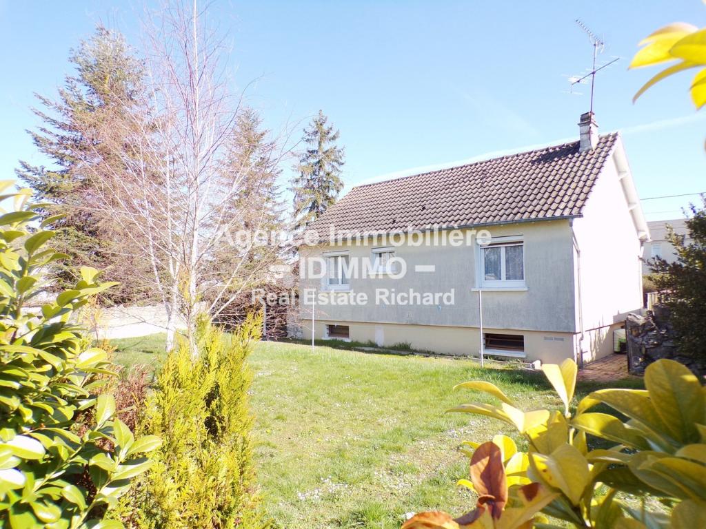 Maison A VENDRE sur 757 m² de terrain et sous-sol total