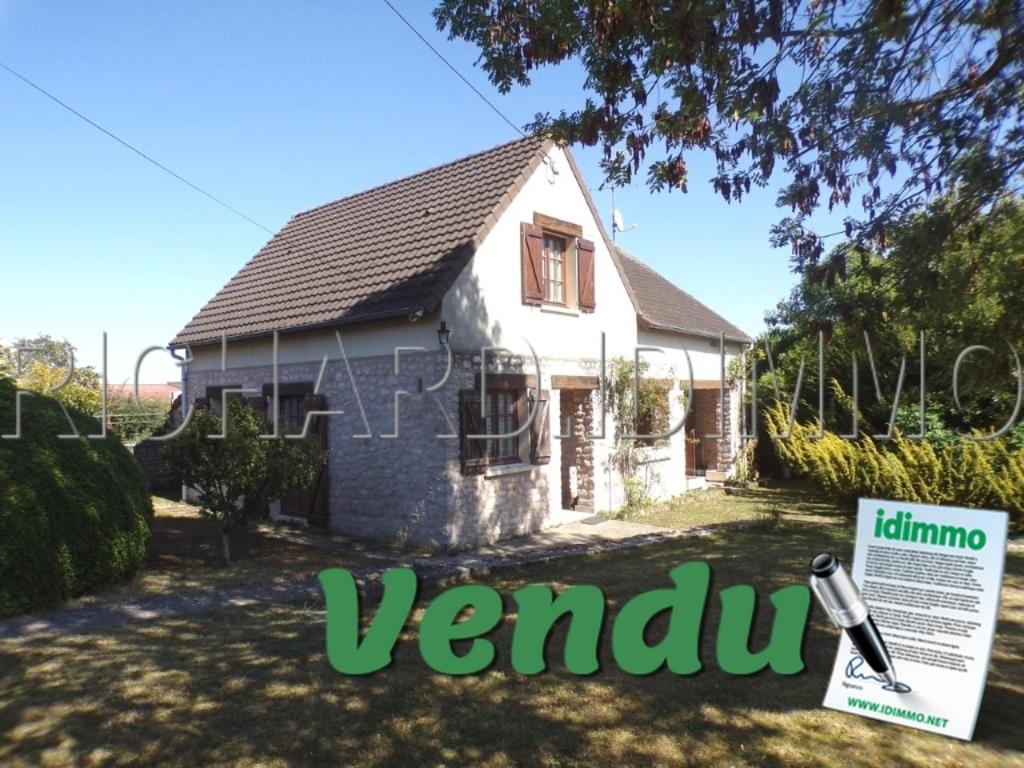 Maison A VENDRE sur 2057 m² de terrain