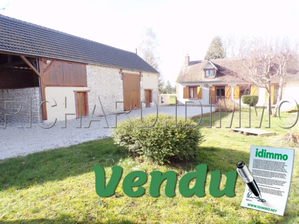Farmhouse FOR SALE on 1926 m² of land