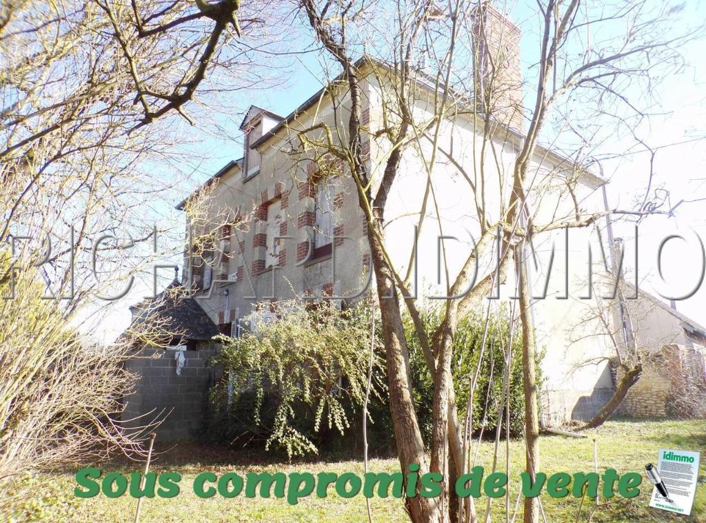Maison Bourgeoise A VENDRE sur 1622 m² de terrain