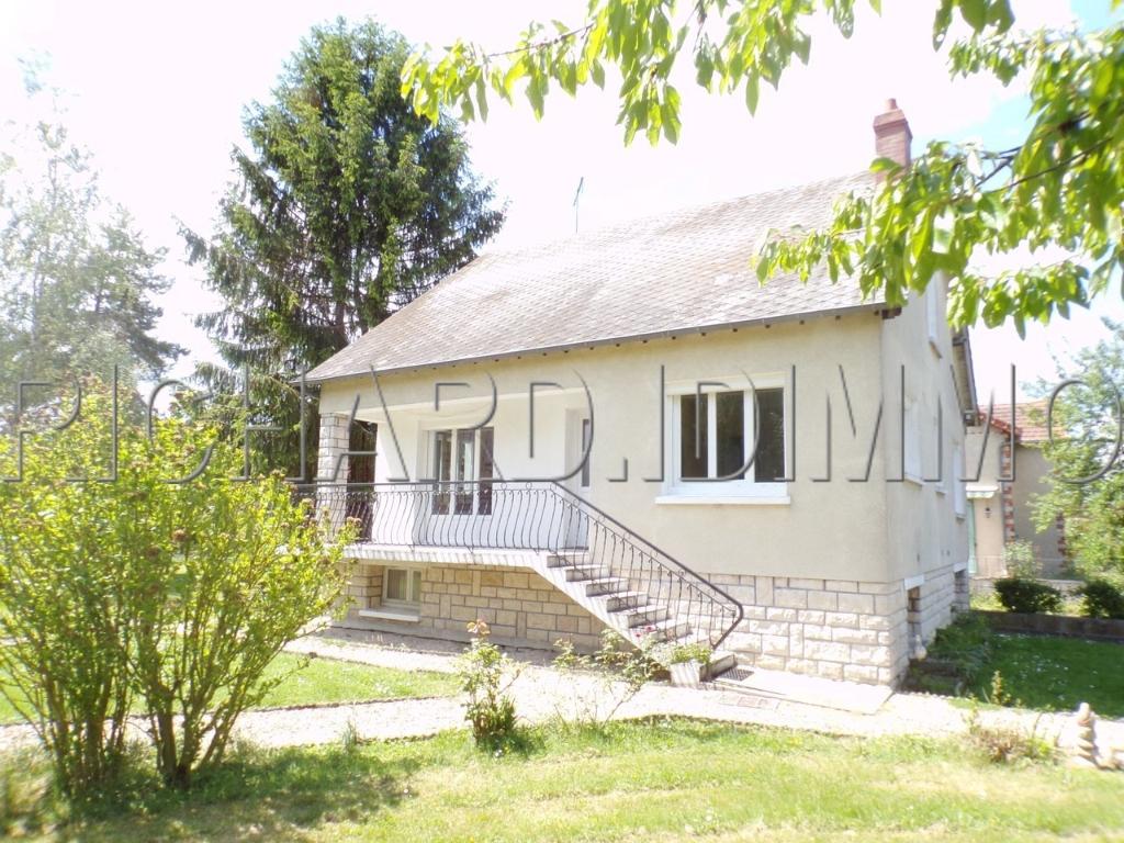 Maison A VENDRE sur 1520 m² de terrain environ et sous-sol