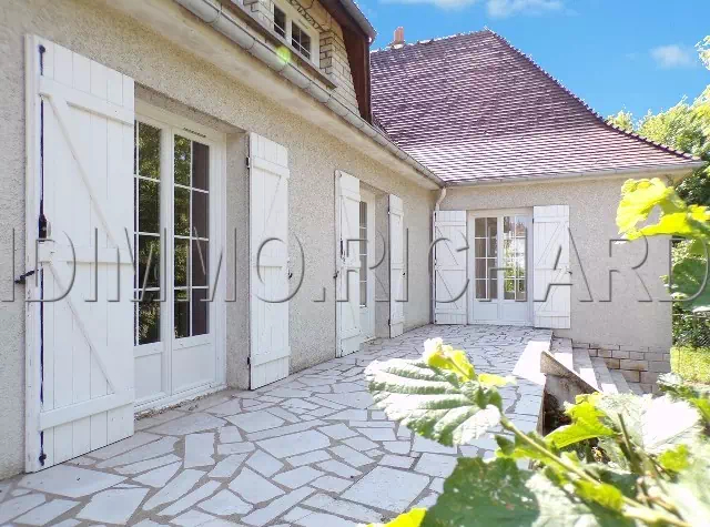 BEAUMONT DU GATINAIS House For sale - 5 rooms - 118 m² Living space on 1683 m² of land