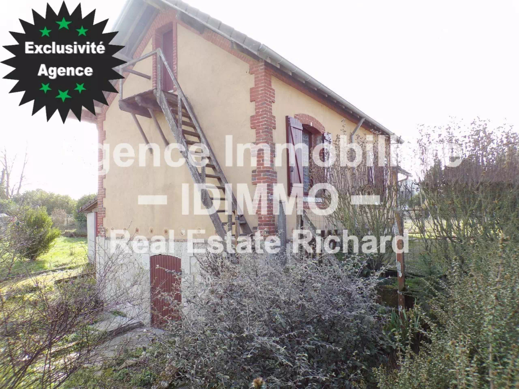 Maison, 70 m² Habitables, 903 m² de Terrain, garage.