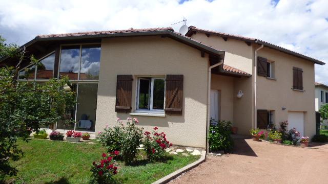 Maison Riorges 5 de 135 m2
