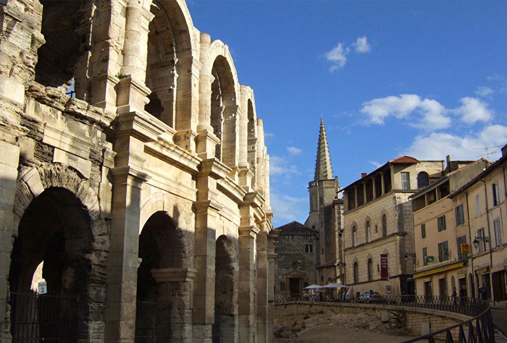 ARLES CENTRE HISTORIQUE JOYAU du 15e siècle STANDING REF TAFFURO  2364