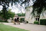 CHATEAU du XVeme siècle RESTAURE HAUT GAMME Parc 6 HA Piscine Boxes chevaux - TAFFURO REF  2467