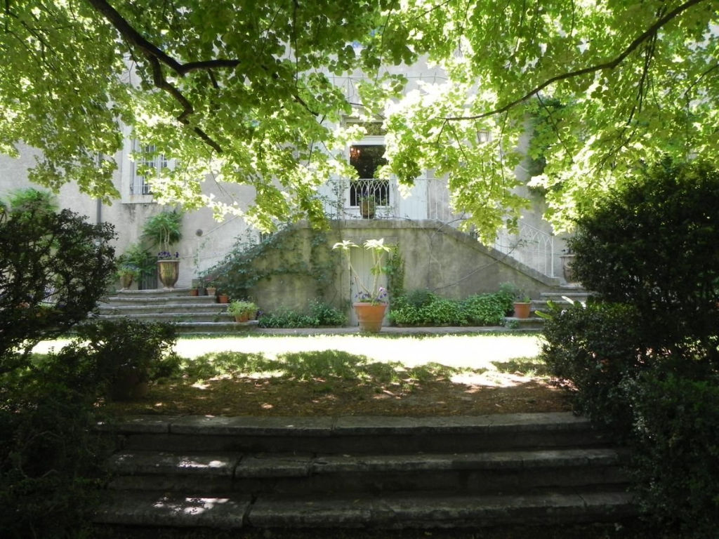 CHATEAU XVIIIème PROVENCE BASSINS PARC SECULAIRE CLOS - TAFFURO REF 2770
