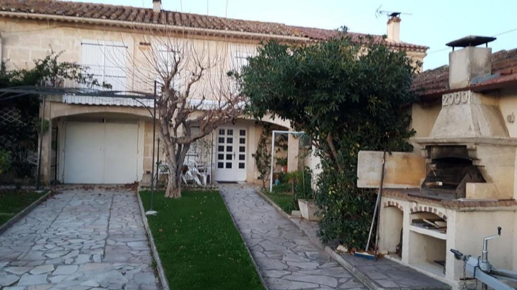 ARLES proche Jolie Villa Plein sud Jardin et garage  - TAFFURO REF 3141