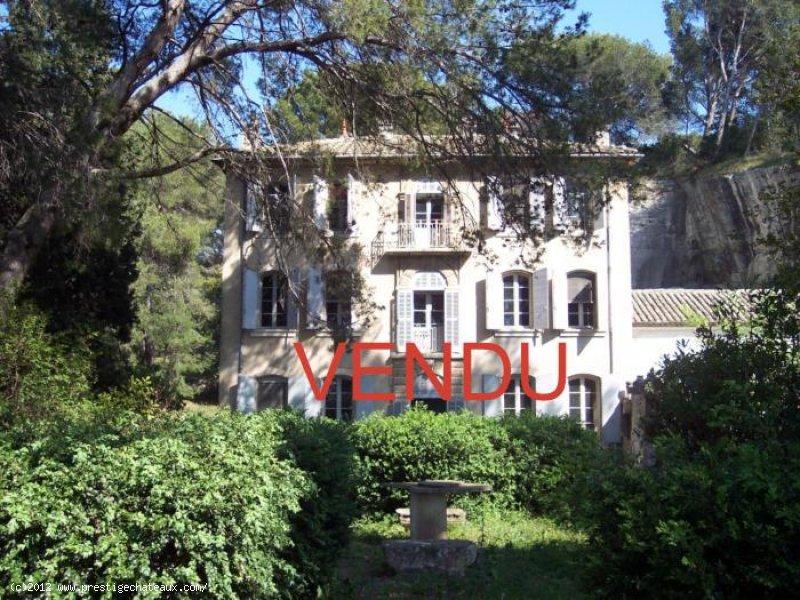 VENDU  SAINT REMY de PROVENCE SUPERBE MAISON de MAITRE XVIII ème sur 6 HECTARES  Ref TAFFURO 178