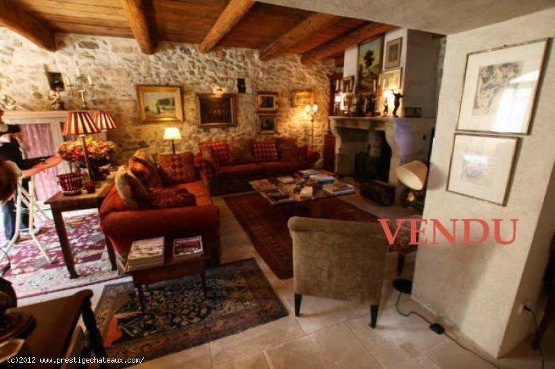 VENDU  PROVENCE TRIANGLE d' OR des ALPILLES MAS VILLAGE XVIII è. siècle Très Haut de gamme   Ref TAFFURO 362