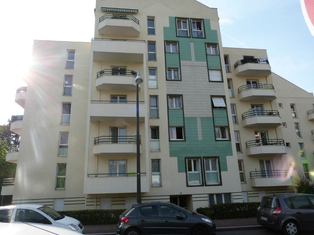 Appartement Tremblay En France 3 pièce(s) 77 m2