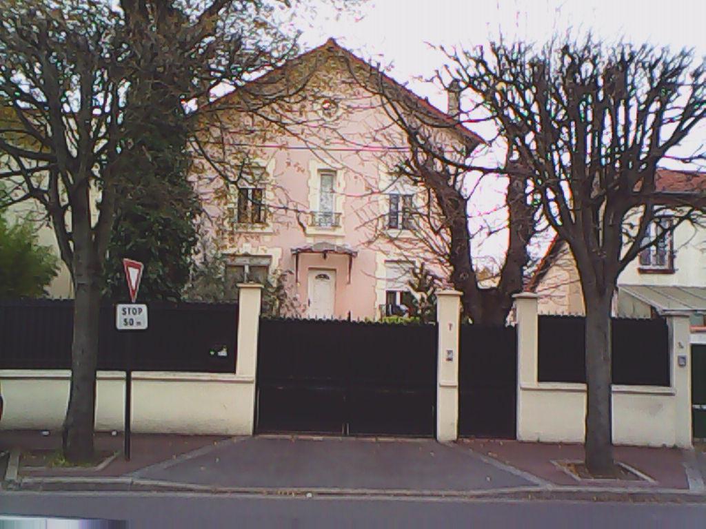 Maison Livry Gargan 7 pièce(s) 180 m2