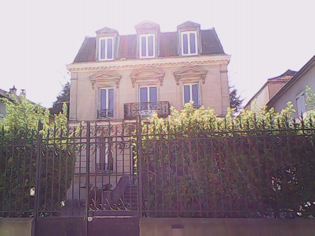 TERRAIN + une maison style MANSARD