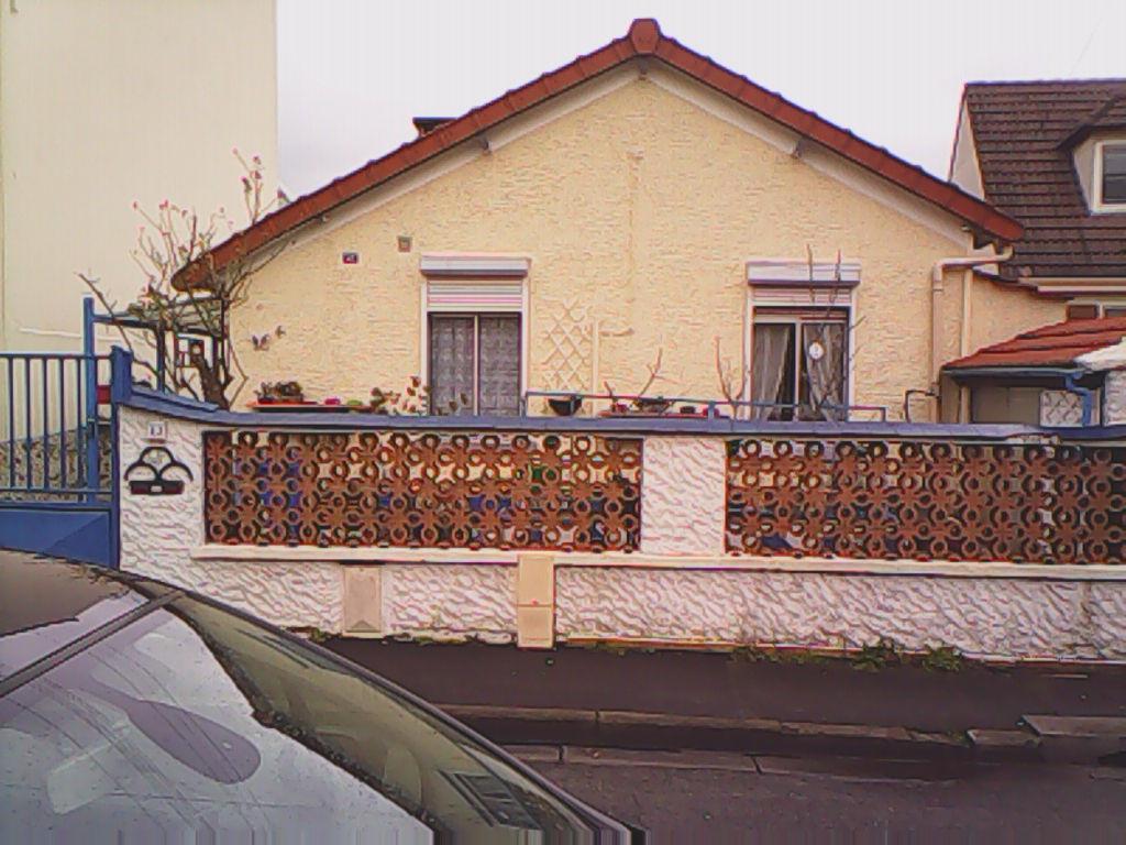 PAVILLON 4 pièce(s) 74 m2 - proche gare de DRANCY