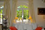 Château, sur parc de 2, 4 ha, à quelques minutes du Palais des Papes et gare TGV