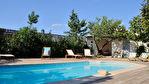 Maison de Maitre plus maison independante et appartement separé, jardin, piscine et garages.
