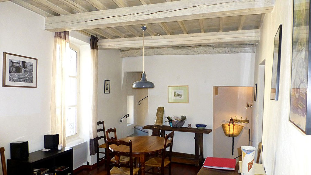 Uzès, centre historique, magnifique appartement 63m2, terrasse