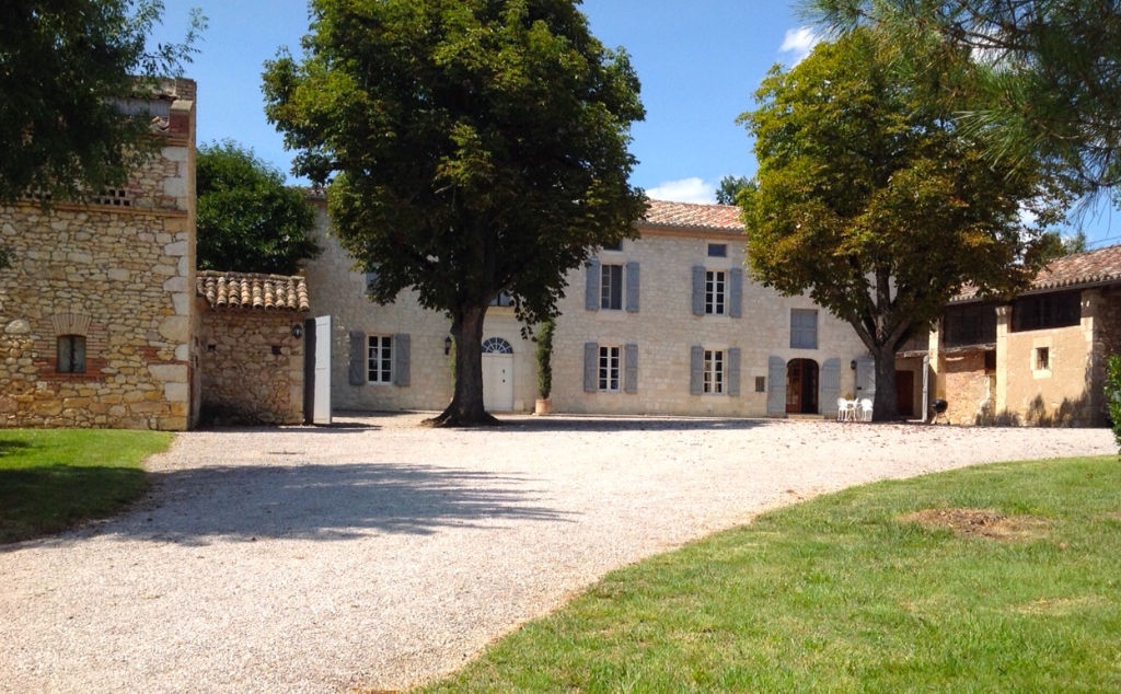 GAILLAC, Manor house, 350m2 on 2 acres of land, pool, dovecot