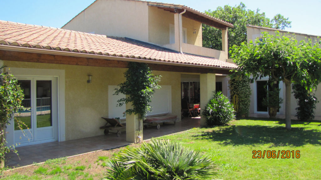 Uzes - Ales, architect villa, 272m2 on 8500m2 garden with pool
