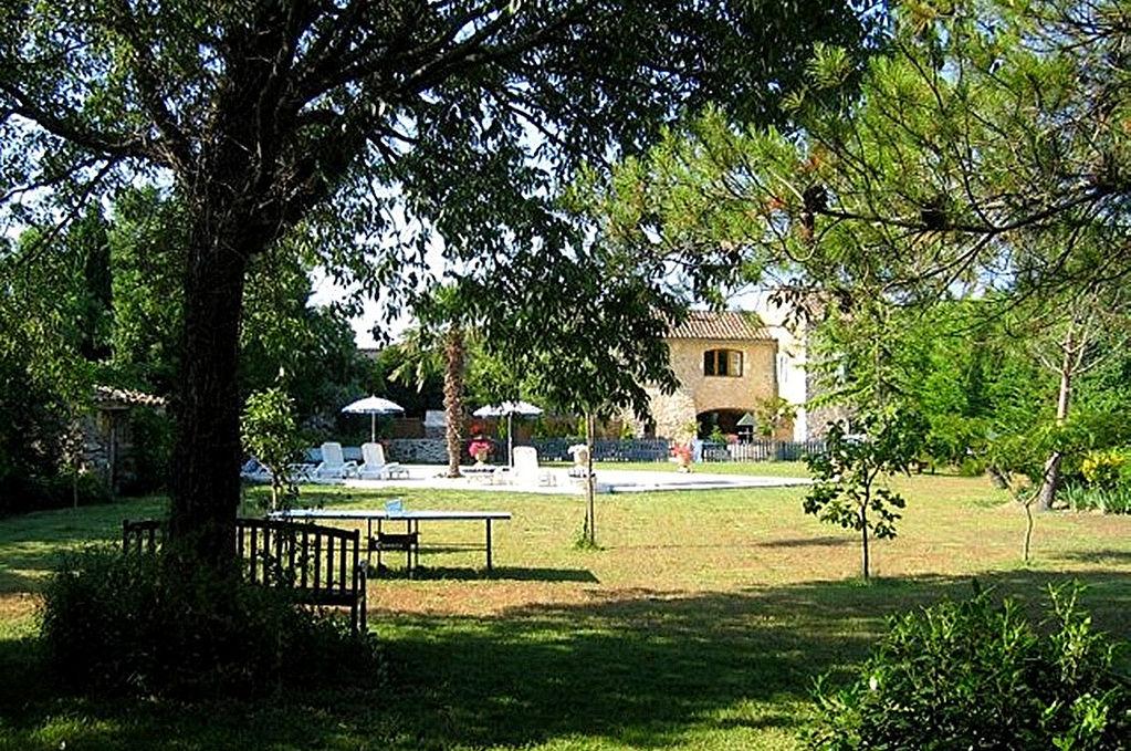 Uzès région, grand Mas, 450m2 SH, jardin, piscine chauffée, 7 chambres