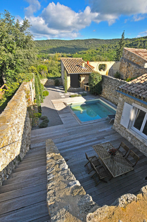 Goudargues , medieval village, refined village house renovated with style, 200m ² with garden and pool