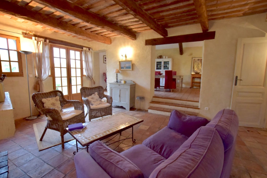 Uzès-Goudargues, pretty 2 bedroomed stone village house, cottage garden, village with
