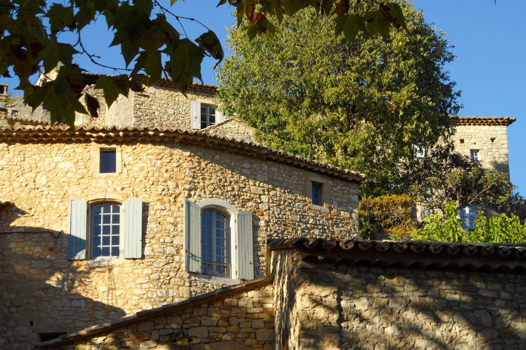 GOUDARGUES, splendid village house with pool  and hanging terraces in magnificent listed village