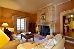 Goudargues, magnifique propriété  en village classé,  3 terrasses avec vue, piscine ,