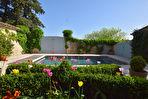 Uzès, à 15mn : Splendide propriété en campagne, 420m2 SH , terrain clos, piscine, vue agréable