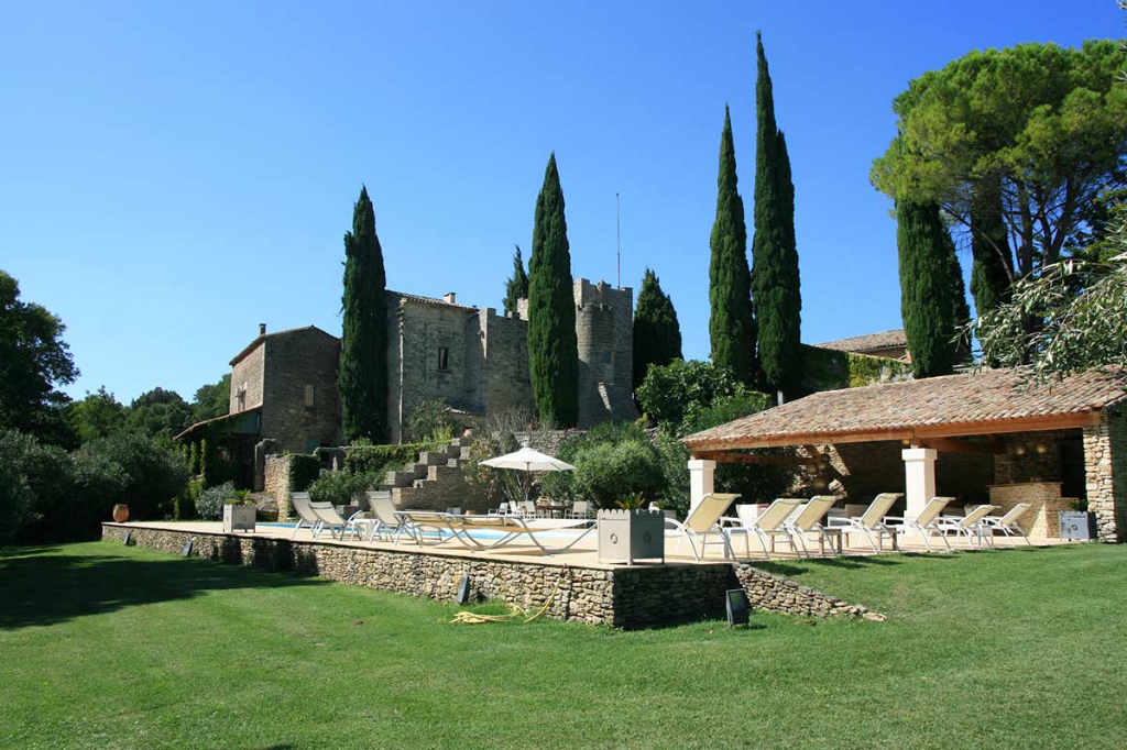 Uzès, château dating from the 11th century on 19 ha of land, including truffle oaks, olive trees, heated pool