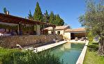 Uzès, demeure de charme, 415m2, rénovation superbe, sur 1748m2 jardin clos ,  piscine et dependances.