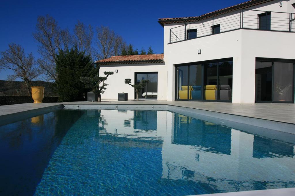 Uzès, exceptional architect designed property, 242 m2 with beautriful views