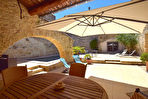 Uzès, village proche avec commerces, maison de charme plus maison d'amis, piscine chauffée