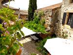 Uzès proche, grande maison de village avec joli patio et terrasses