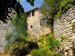 Goudargues proche, maison ancienne dans village classé avec joli jardin, proche baignade
