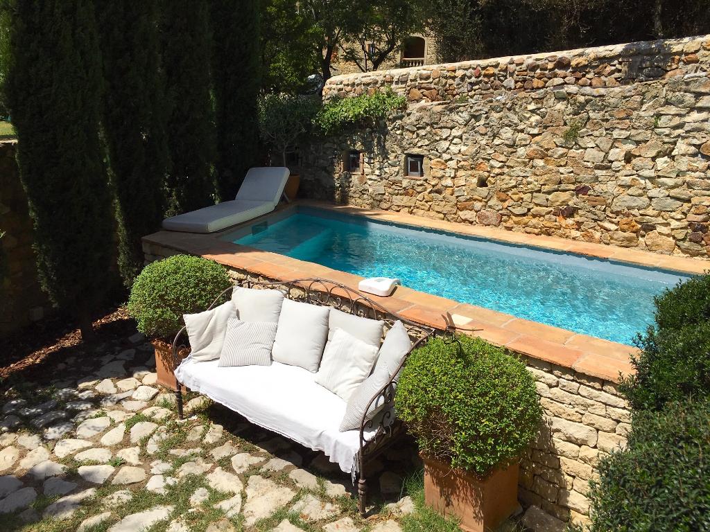 "UZES region, elegant ""Maison de Maitre ""with cottage garden and swimming pool 10 minutes from Uzès"