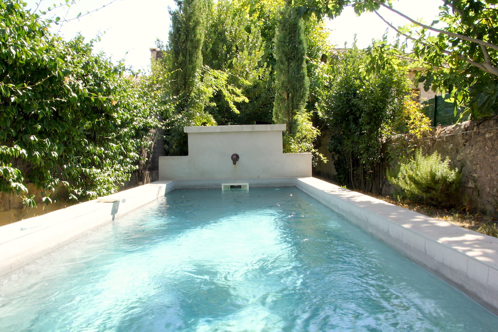 Uzès, town centre, charming renovated town house with garden and pool