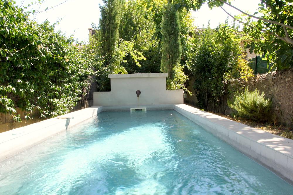 Uzès , centre-ville, charmante maison de ville rénovée  avec piscine et jardin