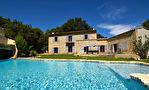 Uzès proche, maison recente en pierre, avec jardin et grande piscine avec jeux d'eau