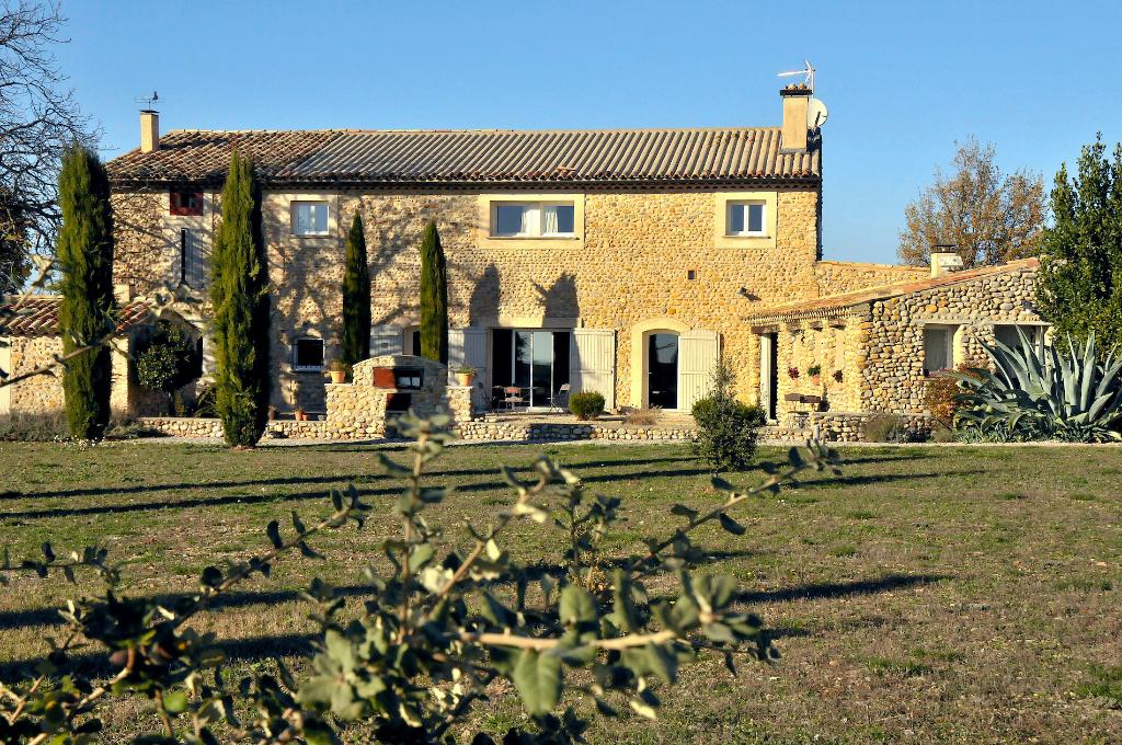 Haut Provence, Demeure de prestige, ancienne bergerie, 370m² habitables, accueil touristique , truffes, olives...