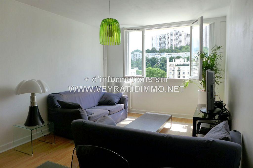 // Vendu // Appartement 3P 73,52m² + PK  / Issy-les-Moulineaux / 370 000€ FAI