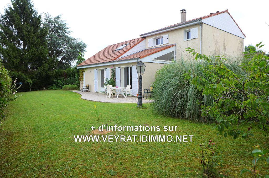 // VENDUE // Maison ind. 130 m² env. Terrain 491 m² + PK / BUC / 650 000€ FAI