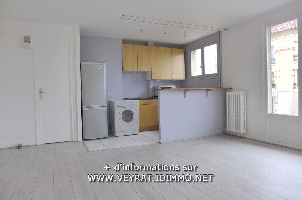 Studio 27,67m² + balcon / Suresnes / 169 000€ FAI