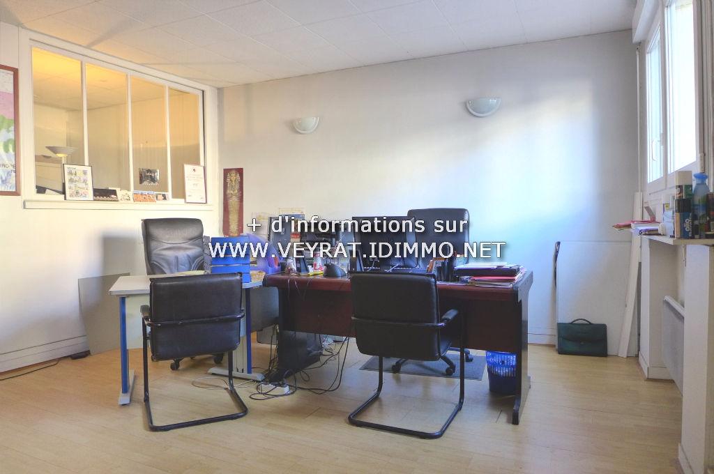 // Réservé // Appartement 2P 53m² / Issy-les-Moulineaux Mairie / 270 000€ FAI