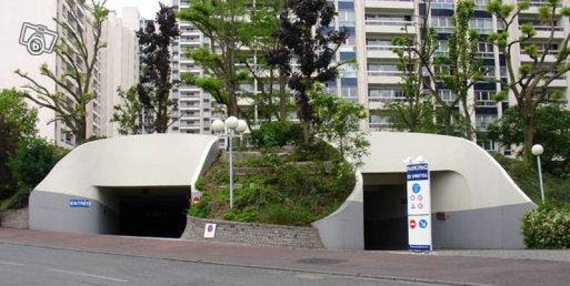 Place de parking / Issy - Epinettes  / 7 500€ FAI