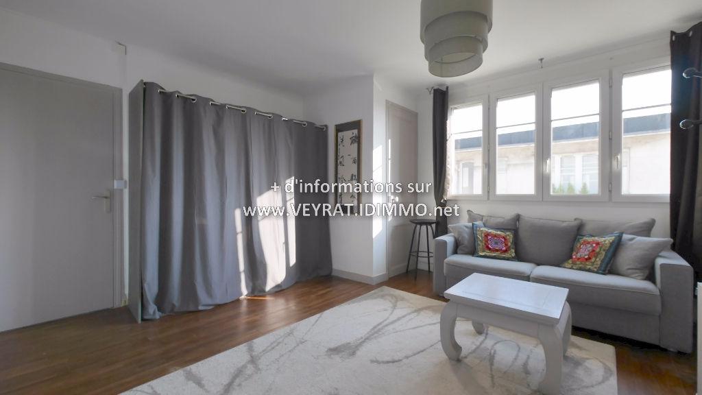 Studio meublé 27m² / Issy-les-Moulineaux / 850€ CC/mois