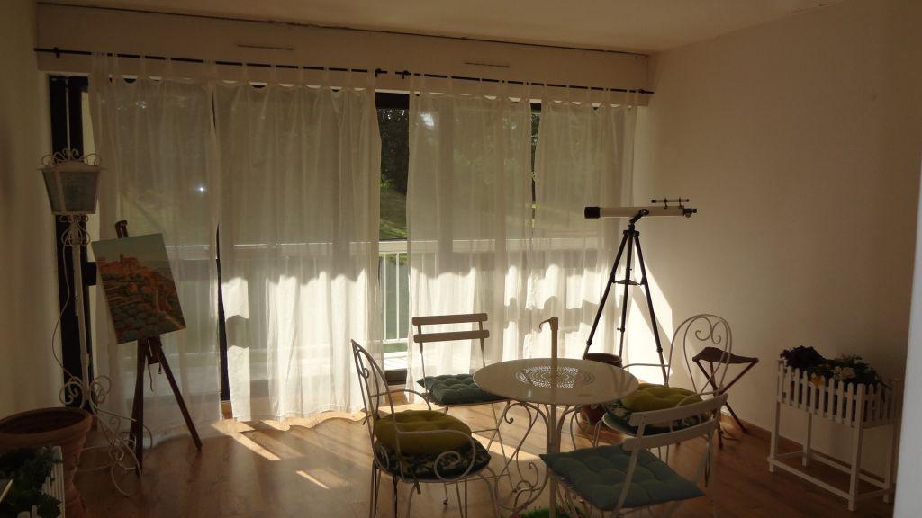 Appartement MEUBLÉ Velizy Villacoublay 2 pièce(s)